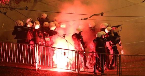 Nie było z nami żadnych rozmów ze strony prezydent Warszawy o zakazaniu Marszu Niepodległości, nie było też pytań co do możliwości zabezpieczenia z naszej strony. Informacja jest dla nas ogromnym zaskoczeniem – poinformował rzecznik Komendy Stołecznej Policji Sylwester Marczak.