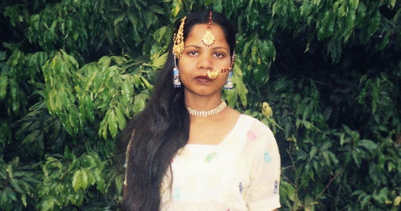 Pakistańska chrześcijanka Asia Bibi, skazana na karę śmierci za bluźnierstwo, ale uniewinniona tydzień temu, została wypuszczona po ośmiu latach z więzienia - poinformował w środę jej prawnik Saif ul-Mulook.