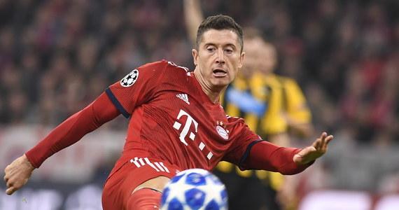 Bayern Monachium po dwóch golach Roberta Lewandowskiego pokonał u siebie AEK Ateny 2:0 w 4. kolejce grupowej piłkarskiej Ligi Mistrzów. Juventus z Wojciechem Szczęsnym w składzie, uległ w Turynie Manchesterowi United 1:2, tracąc obie bramki w końcówce.