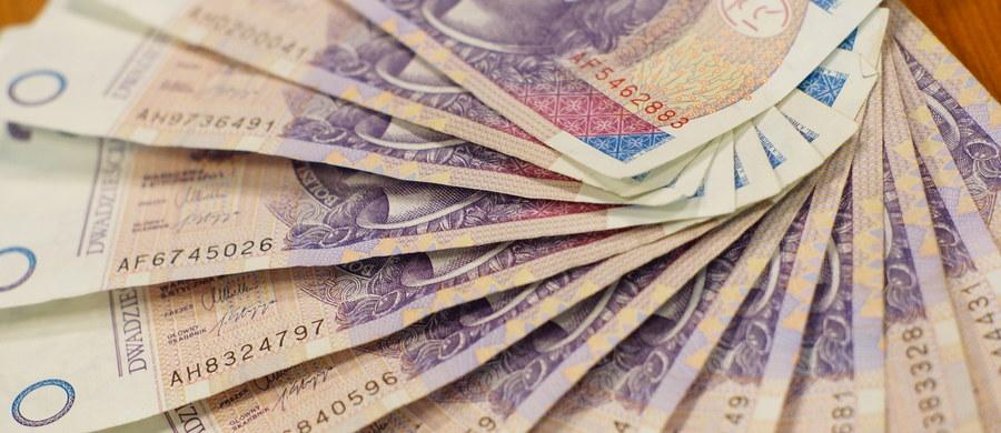 Ponad milion osób w 13 aglomeracjach nie daje rady opłacać w terminie rachunków i rat kredytowych - wynika z analizy BIG InfoMonitor. Zaległości sięgają 34 mld zł. Rekordzista, 56-letni mieszkaniec aglomeracji rzeszowskiej, ma do spłaty... 46,8 mln zł.