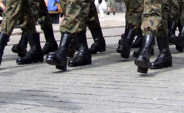 Wojsko przejmuje organizację rządowego marszu 11 listopada, który w środę zapowiedział rzecznik prezydenta. To Ministerstwo Obrony Narodowej jest wiodącą instytucją - dowiedział się reporter RMF FM.