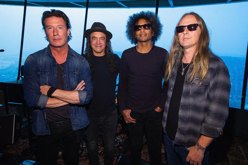 """Poniżej możecie zobaczyć teledysk """"Never Fade"""" promujący płytę """"Rainier Fog"""" Alice In Chains."""