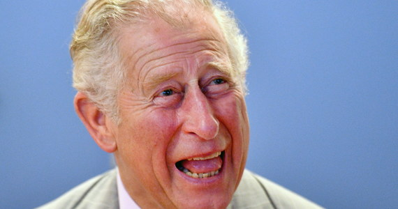 """Brytyjski następca tronu książę Karol udzielił wywiadu BBC na temat swojej przyszłej roli jako króla. Właśnie zbliżają się jego 70. urodziny. Jedno zdanie szczególnie interesowało media. """"Nie będę się wtrącał, nie jestem głupi"""" - tak dosłownie książę Karol określił swoje zaangażowanie w sprawy polityczne i społeczne po objęciu korony."""
