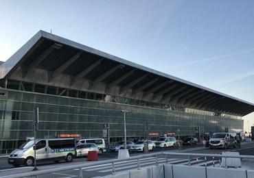 Awaryjne lądowanie bombardiera na lotnisku Chopina