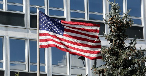Ambasada USA w Polsce apeluje do Amerykanów przebywających 11 listopada w Warszawie, aby unikali tłumów i demonstracji tego dnia. W swoim oświadczeniu dyplomaci wskazują, że poprzednich latach dochodziło do różnych incydentów.