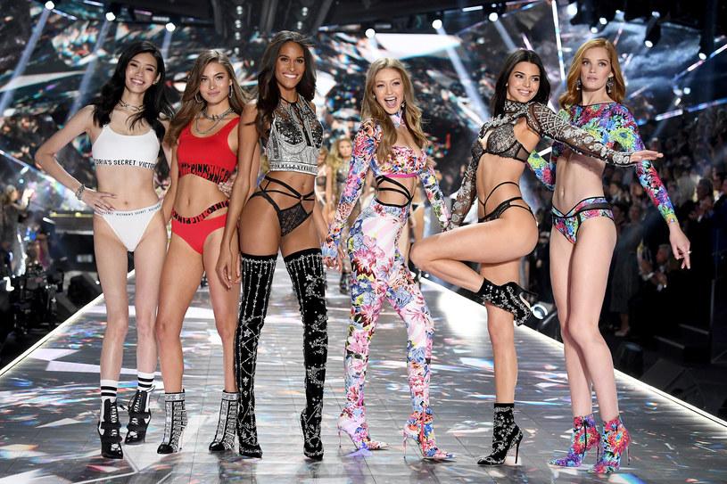 W czwartek, 8 listopada, w Nowym Jorku odbył się jeden z najważniejszych pokazów mody – Victoria's Secret Fashion Show. Imprezę uświetnili Halsey, Rita Ora, Bebe Rexha i Sean Mendes, The Chainsmokers, Kelsea Ballerini, The Struts. Zobaczcie zdjęcia!