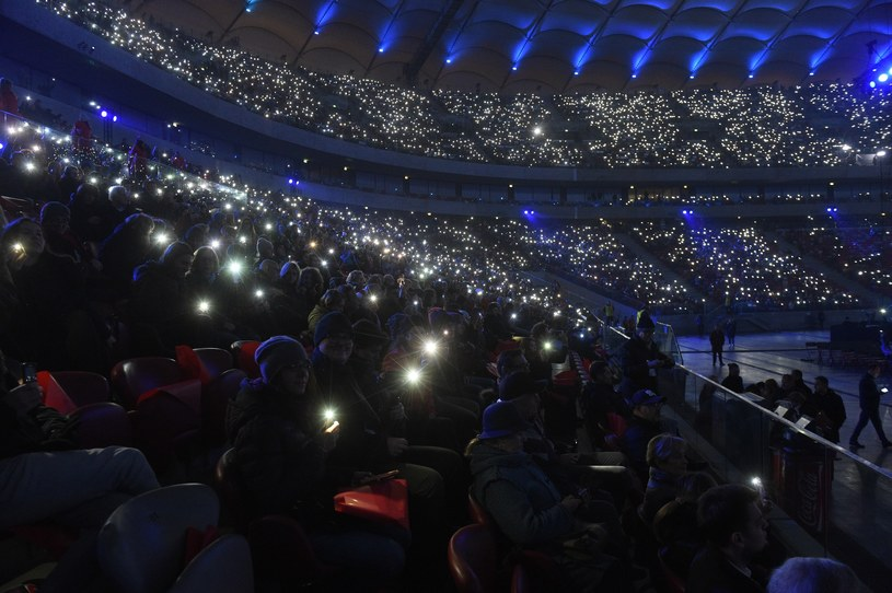 November 10 at 20.15 The special event of the PGE National Pitch began the Independence Day of Independence Day tomorrow. On stage, viewers can see, among others, Maryla Rodowicz, Marek Piekarczyk, Ewa Farna, Krzysztof Cugowski, Paweł Kukiz and Krystyna Prońko. The guests of the event are President Andrzej Duda and Prime Minister Mateusz Morawiecki.