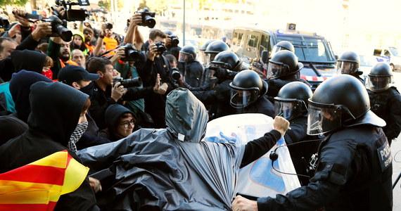 Były premier Katalonii Artur Mas oraz jego współpracownicy zostali w poniedziałek skazani przez Trybunał Obrachunkowy w Madrycie na karę ponad 5,2 mln euro grzywny za zorganizowanie w 2014 r. referendum niepodległościowego w tym hiszpańskim regionie.