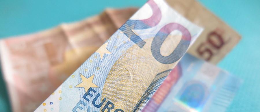 Rządząca we Włoszech koalicja prawdopodobnie nie zmieni propozycji w sprawie przyszłorocznego budżetu, czego oczekuje Komisja Europejska - pisze AFP. Dziś upływa termin, w którym Rzym ma przedstawić zmodyfikowany plan budżetowy na 2019 r.