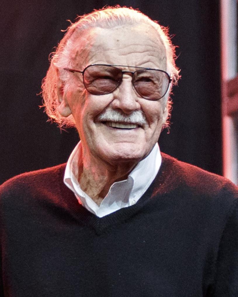 Stan Lee był postacią na miarę Walta Disneya. Uczynił z bohaterów komiksowych postaci podobne do zwykłych ludzi - powiedzieli PAP dziennikarze Jakub Demiańczuk i Kamil Śmiałkowski oraz wydawca Szymon Holcman o zmarłym w poniedziałek w wieku 95 lat słynnym twórcy komiksów, m.in Spider-Mana.