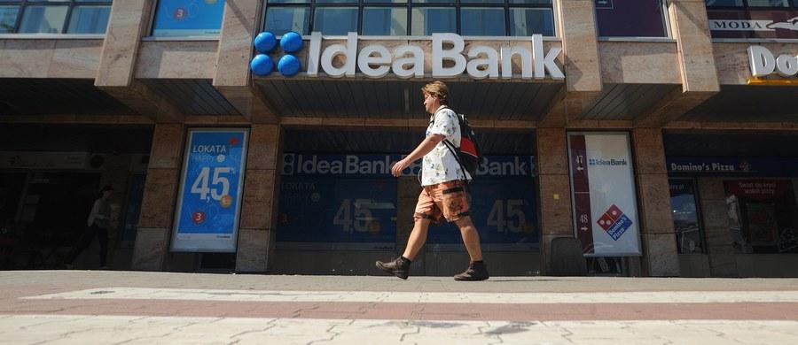Komisja Nadzoru Finansowego już ponad dwa tygodnie temu poinformowała Idea Bank należący do Leszka Czarneckiego o tym, że instytucja ta trafi na listę ostrzeżeń publicznych KNF. Pismo z KNF do Idea Banku zostało przekazane 26 października. Wpis nastąpił we wtorek wieczorem.