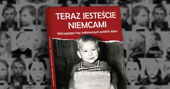 """Książka powstała w wyniku akcji """"Zrabowane dzieci"""", prowadzonej przez redakcje Fakty portalu Interia oraz stację Deutsche Welle. Tytuł ukazał się nakładem krakowskiego Wydawnictwa M."""