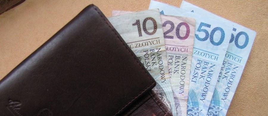 Prezydent Andrzej Duda podpisał ustawę zakładającą m.in. 9-proc. CIT dla małych firm oraz zmiany dotyczące kosztów uzyskania przychodów w przypadku nabycia i eksploatacji samochodów osobowych przez firmy. Poinformowała o tym Kancelaria Prezydenta.