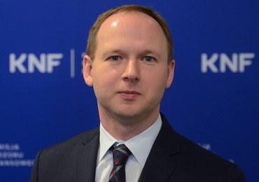 """""""GW"""": Były szef KNF rekomendował prawnika do banku Solorza-Żaka"""