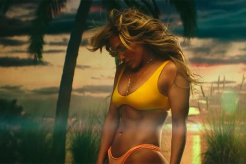 """27 milionów w tydzień zdobył klip Bad Bunny'ego i Jennifer Lopez """"Te Guste"""". 49-letnia wokalistka ponownie zachwyciła swoich fanów."""