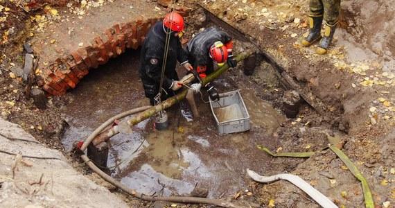 Tunel prowadzący prawdopodobnie do hitlerowskiego bunkra odkryli w Rychnowie koło Jablonca w Czechach tamtejsi eksploratorzy. Nieznany kompleks znajduje się niespełna trzydzieści kilometrów od polskiej granicy. Pod ziemią może być bunkier, w którym testowano komponenty do produkcji urządzeń wojskowych. Miał to być jeden z najnowocześniejszych ośrodków naukowych.