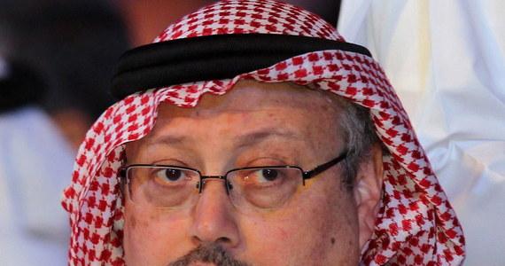 """Zabójstwo dziennikarza Dżamala Chaszukdżiego zlecił następca saudyjskiego tronu książę Muhammad ibn Salman. Do takich wniosków doszła CIA po zapoznaniu się z materiałem dowodowym w sprawie - pisze """"The Washington Post"""". W ślad za publikacją saudyjski ambasador w USA zdementował te doniesienia."""