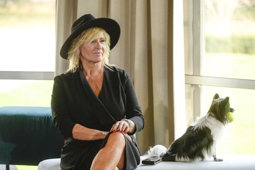 """W obsadzie komedii """"Miszmasz, czyli kogel-mogel 3"""", nowej odsłonie kultowej komedii, obok Ewy Kasprzyk zagrała jej pupilka, Shakira. Postać kreowana przez aktorkę, Barbara Wolańska, została słynną ekspertką od seksu."""