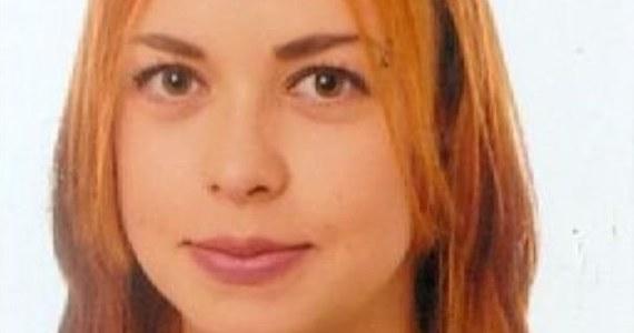 Policjanci z Janowa Podlaskiego szukają 17-letniej Karoliny Szyc. Opublikowali zdjęcie nastolatki i proszą o kontakt wszystkich, którzy ją rozpoznają.