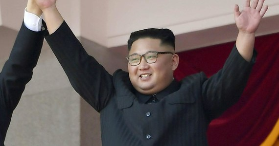 """Północnokoreański żołnierz, który zdezerterował na Południe w zeszłym roku udzielił pierwszego wywiadu agencji japońskiej gazecie """"Sankei Shimbun"""". Syn północnokoreańskiego generała zdradził, że młodzi ludzie z jego kraju nie są lojalni wobec przywódcy Kim Dzong Una."""