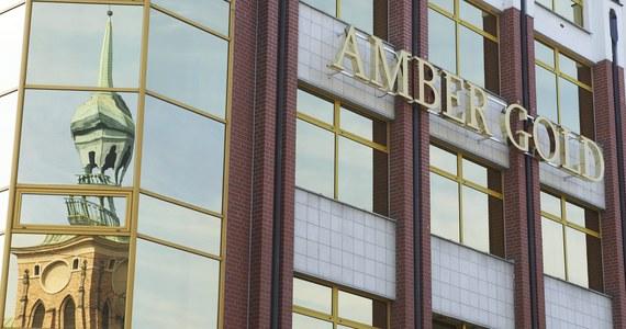 """Trzy osoby – dyrektor linii OLT Express, twórca innego parabanku oraz adwokat Marcina P. usłyszeli ostatnio zarzuty prania brudnych pieniędzy pochodzących z lokat klientów Amber Gold – ustaliła """"Rzeczpospolita""""."""