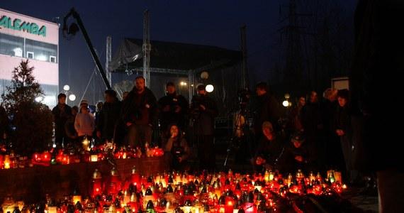 W środę mija 12 lat od w kopalni Halemba w Rudzie Śląskiej. Był to jeden z najtragiczniejszych wypadków we współczesnym polskim górnictwie. Podczas prac likwidacyjnych 1030 m pod ziemią doszło do wybuchu metanu i pyłu węglowego. 23 osoby zginęły.