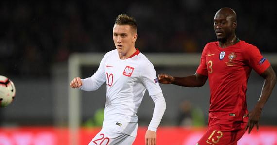 Polscy piłkarze, którzy wystąpili we wtorkowym spotkaniu przeciwko Portugalii (1:1) w Lidze Narodów, uważają, że atmosfera w kadrze nie jest zła. Wskazują, na poprawiającą się jakość występów reprezentacji prowadzonej przez Jerzego Brzęczka
