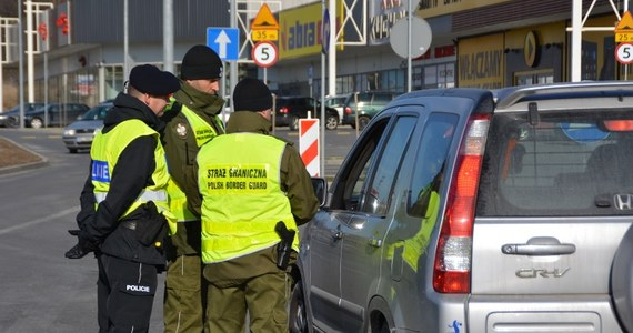 Przekraczając od czwartku granicę możecie spodziewać się zatrzymania do kontroli. Straż Graniczna przywraca od 22 listopada kontrole na wewnętrznych granicach Unii Europejskiej. Potrwają do połowy grudnia. Mają związek z organizowanym w Katowicach szczytem klimatycznym ONZ.