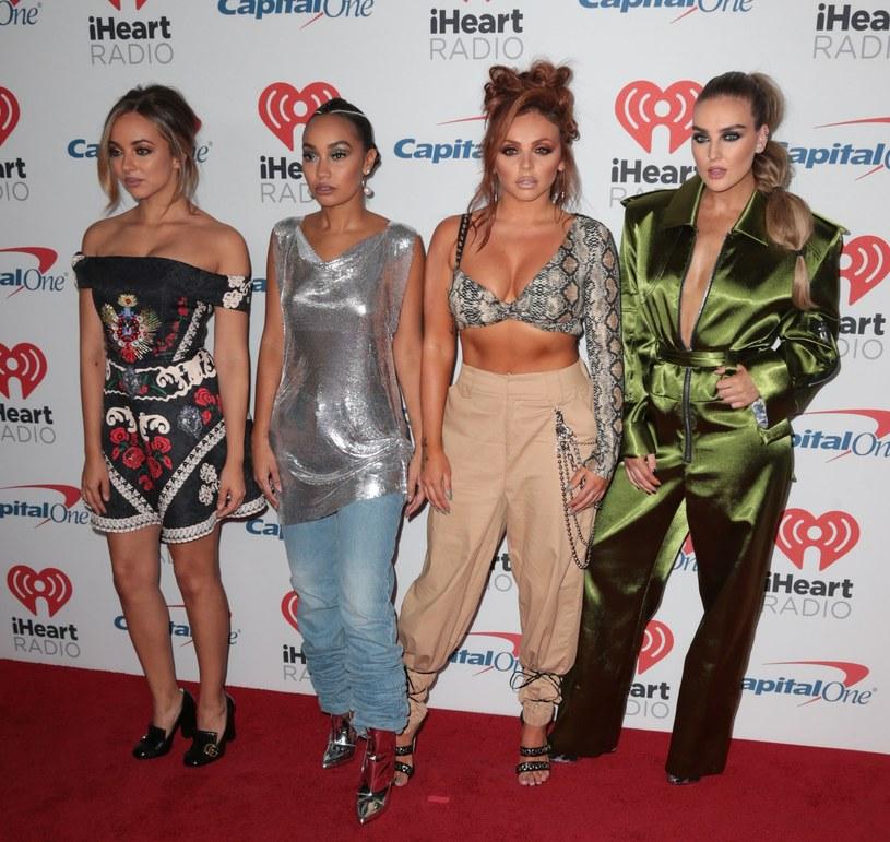 """Teledysk """"Strip"""" girlsbandu Little Mix wywołał mnóstwo kontrowersji. Niektórzy z brytyjskich dziennikarzy zarzucili wokalistkom promowanie się nagością. Tym razem w obronę zespół wzięła Ariana Grande."""