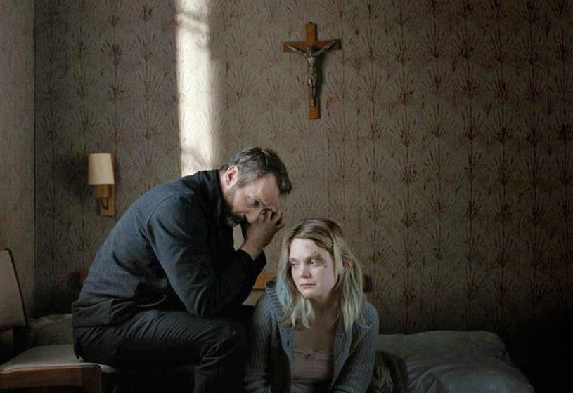 """Dramat """"Powrót"""" w reżyserii Magdaleny Łazarkiewicz został wybrany najlepszym filmem 10. edycji Festiwalu Polskich Filmów """"Ekran"""" w Toronto - ogłosili w czwartek, 22 listopada, organizatorzy imprezy."""