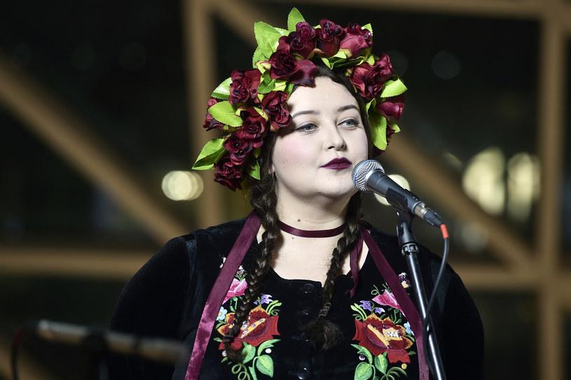 """W ramach promocji wersji deluxe debiutanckiej płyty grupa Tulia prezentuje teledysk do premierowego utworu """"Pali się""""."""