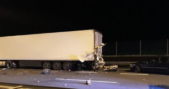 Do tragicznego wypadku doszło na autostradzie A2 w Wielkopolsce. Jak informowaliście na Gorącą Linię RMF FM bus wjechał w tył ciężarówki.