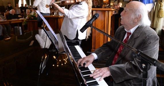 """Leopold Kozłowski – kompozytor, dyrygent i pianista w poniedziałek będzie obchodził setne urodziny. Artysta nazywany """"ostatnim klezmerem Galicji"""" od 1945 r. związany jest z krakowskim Kazimierzem. W 2014 roku Kozłowski został honorowym obywatelem Krakowa."""