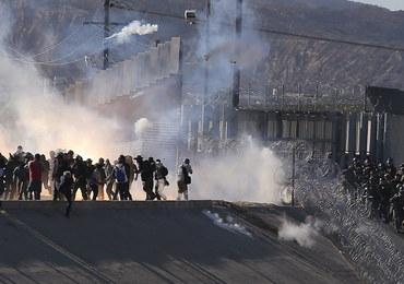 Migranci próbowali sforsować ogrodzenie na granicy Meksyku i USA