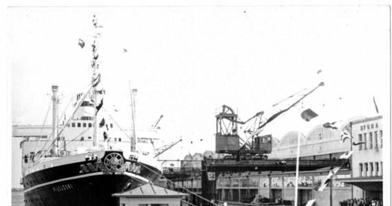 """Wnętrza jednego z najwspanialszych polskich statków w historii - MS """"Piłsudski"""" można od dziś zobaczyć dzięki nowoczesnej technologii Virtual Reality. Transatlantyk - określany jako """"polski Titanic"""" - dokładnie 79 lat temu zatonął w Morzu Północnym. Od dziś można zobaczyć, jak wyglądał, gdy wyruszał w podróż. Specjalne pokazy wnętrza statku w najbliższym czasie odbędą się w Chicago i w Londynie."""