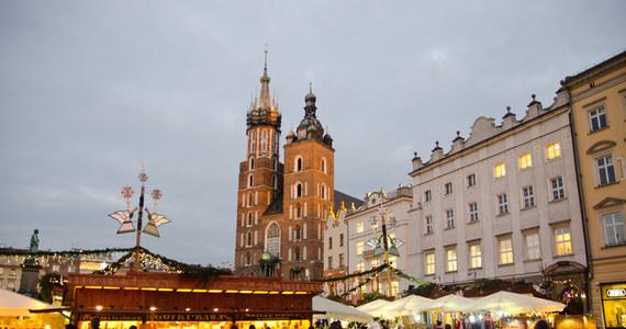 W dniach 30 listopada - 26 grudnia 2018 roku na płycie Rynku Głównego w Krakowie odbywać się będą Targi Bożonarodzeniowe.