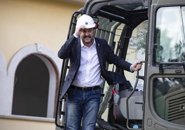 Szef włoskiego MSW w buldożerze podczas burzenia willi klanu mafijnego