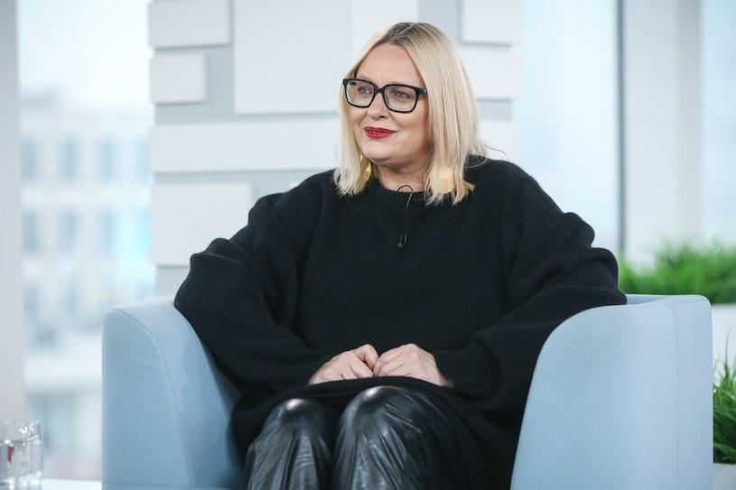 Kasia Nosowska poinformowała za pośrednictwem Instagrama, że po 17 latach wspólnego życia wyszła za mąż za Pawła Krawczyka.