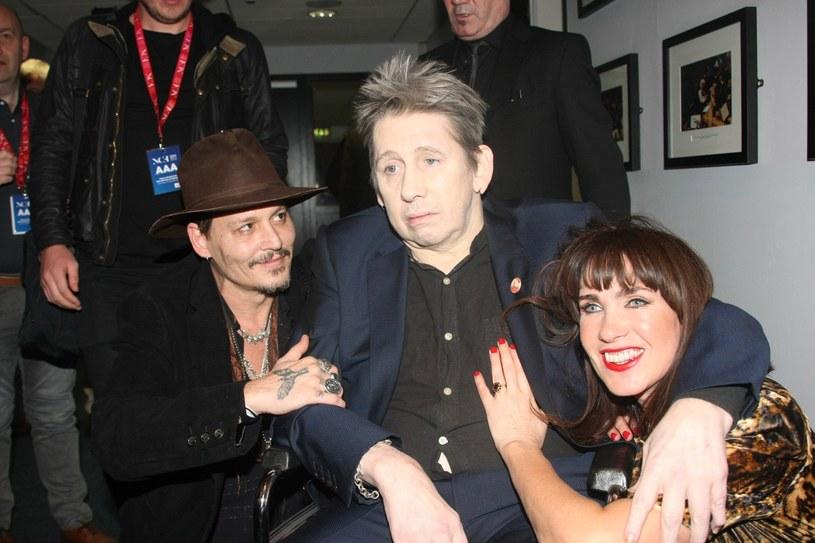 Znany głównie jako lider folkowo-punkowej grupy The Pogues Shane MacGowan poślubił Victorię Mary Clarke w Kopenhadze. Jednym z gości uroczystości był Johnny Depp, aktor i muzyk znany z supergrupy Hollywood Vampires.