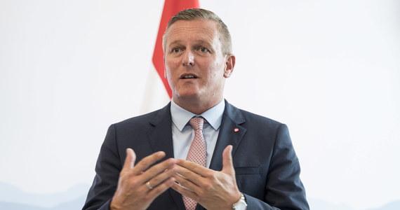 Minister obrony Austrii Mario Kunasek wykluczył udział swojego kraju w proponowanej przez Niemcy i Francję europejskiej armii. Mówił o tym w rozmowie z agencją APA. Nie ma potrzeba wspólnego wojska, lecz lepszej współpracy - ocenił.