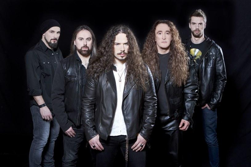 Symfoniczni powermetalowcy z włoskiego Rhapsody Of Fire przygotowali nowy longplay.