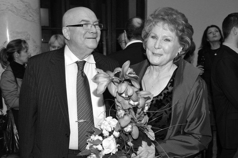 W poniedziałek 3 grudnia na Powązkach w Warszawie odbyło się ostatnie pożegnanie Zbigniewa Korpolewskiego, wieloletniego partnera Ireny Santor.