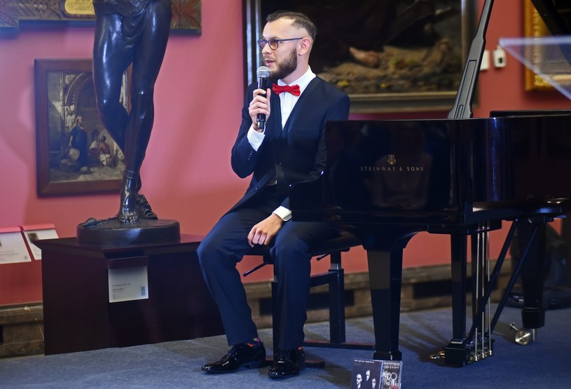 """Ceniony pianista i kompozytor jazzowy Paweł Kaczmarczyk wydał swój szósty album """"Kaczmarczyk vs Paderewski: Tatra""""."""