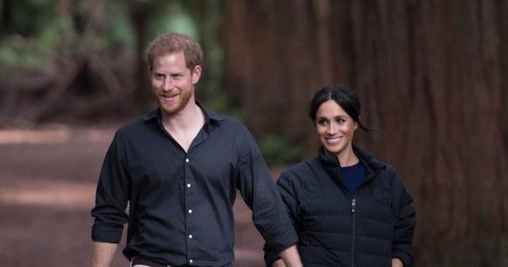 Nawet 5 milionów funtów rocznie może kosztować zapewnienie ochrony księciu Harry'emu i jego żonie, Meghan Markle. Na wiosnę książęca para zamieszka na terenie królewskiego zamku w Windsorze.