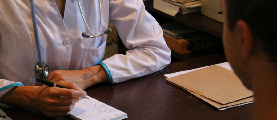 Czy cukrzyca jest dziedziczna oraz jakie są jej pierwsze objawy. Między innymi na takie pytania podczas wideoczatu odpowiadał dr Grzegorz Sokołowski internista i endokrynolog ze Szpitala Uniwersyteckiego w Krakowie.