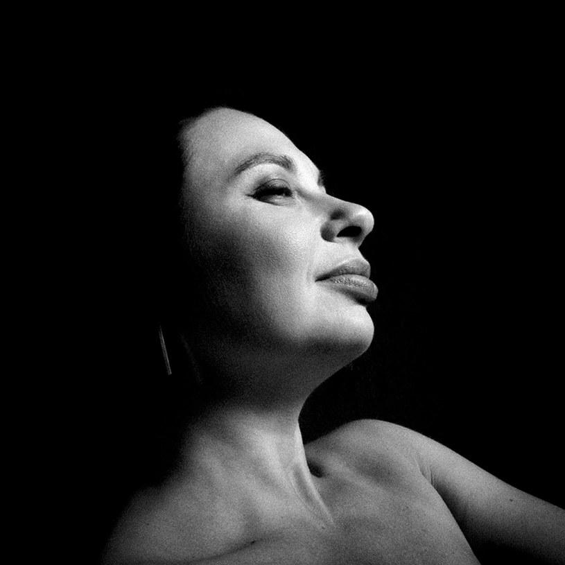 """Michelle Gurevich wydała niedawno piątą płytę zatytułowaną """"Exciting Times"""". Artystka, która wyprzedała dotychczas wszystkie koncerty w Polsce, przyjedzie 23. maja do warszawskiego Nieba, aby zaprezentować fanom najnowszy album i największe hity."""