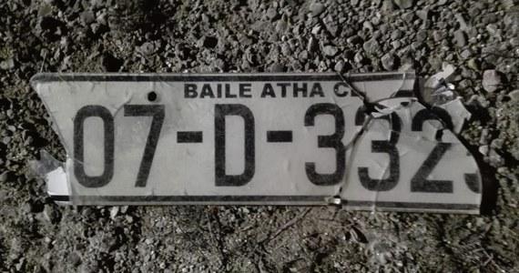 Śmiertelne potrącenie 67-latka na drodze krajowej nr 16 w Warmińsko-Mazurskiej. Kierowca uciekł z miejsca zdarzenia, ale została jego tablica rejestracyjna - to irlandzkie numery.