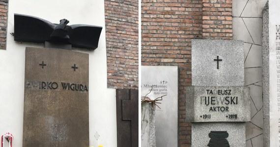Plaga kradzieży na warszawskich Powązkach. Złodzieje złomu masowo okradają groby na tym najbardziej znanym stołecznym cmentarzu: wyrywają i skuwają metalowe elementy. Zdewastowana jest Aleja Zasłużonych.