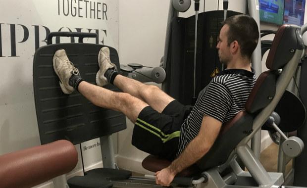 Płaski brzuch i nawet trzy kilogramy mniej do Sylwestra. Taki może być efekt regularnych ćwiczeń, które zaczniemy dzisiaj - przekonują trenerzy personalni. W cyklu Twoje Zdrowie mówimy dziś o tym, jak pod koniec roku możemy zadbać o zdrowy i atrakcyjny wygląd.