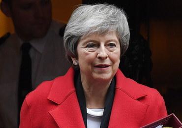 Upokarzający dzień premier May. Rząd przegrał trzy głosowania